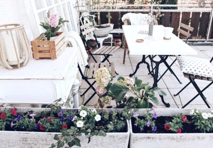 meble na balkon w bloku